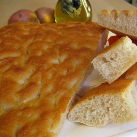 Focaccia all'olio extravergine, ricetta di Ada da Castellaro