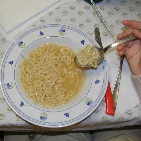 Minestrina con l'uovo, ricetta di Anna da Bajardo